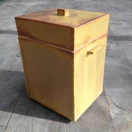 Medium sized vertical box, 6 1/2 x 4 1/4 x 3 3/4""